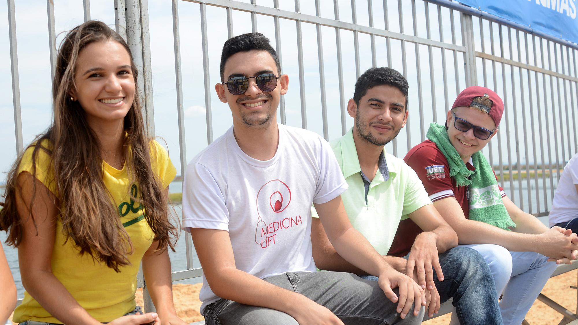imageO estudante de medicina Felipe Araújo, veio com os colegas de Faculdade para prestigiar o evento
