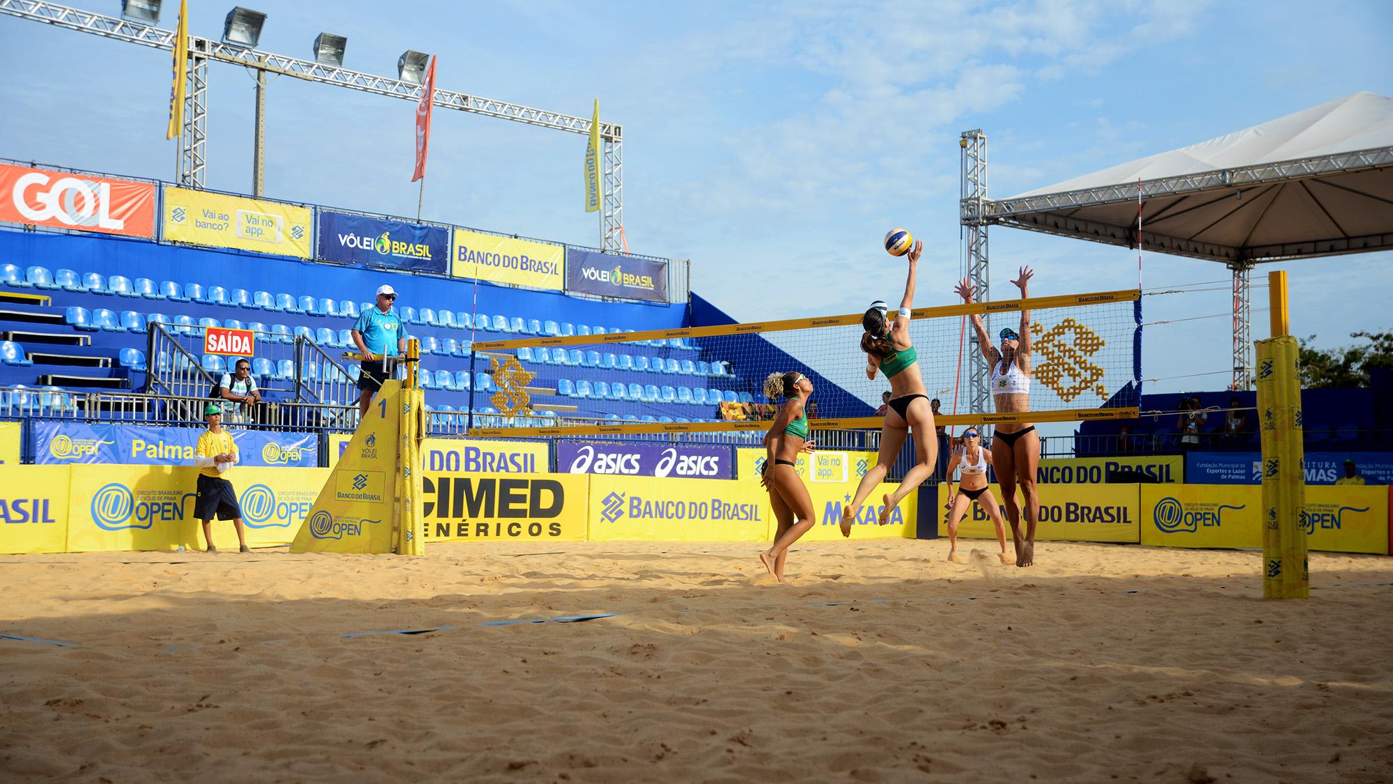 imageA tocantinense Mayana e a baiana Fabrine (1ª dupla) mostraram garra na arena principal na partida de abertura da 1ª fase nesta manhã